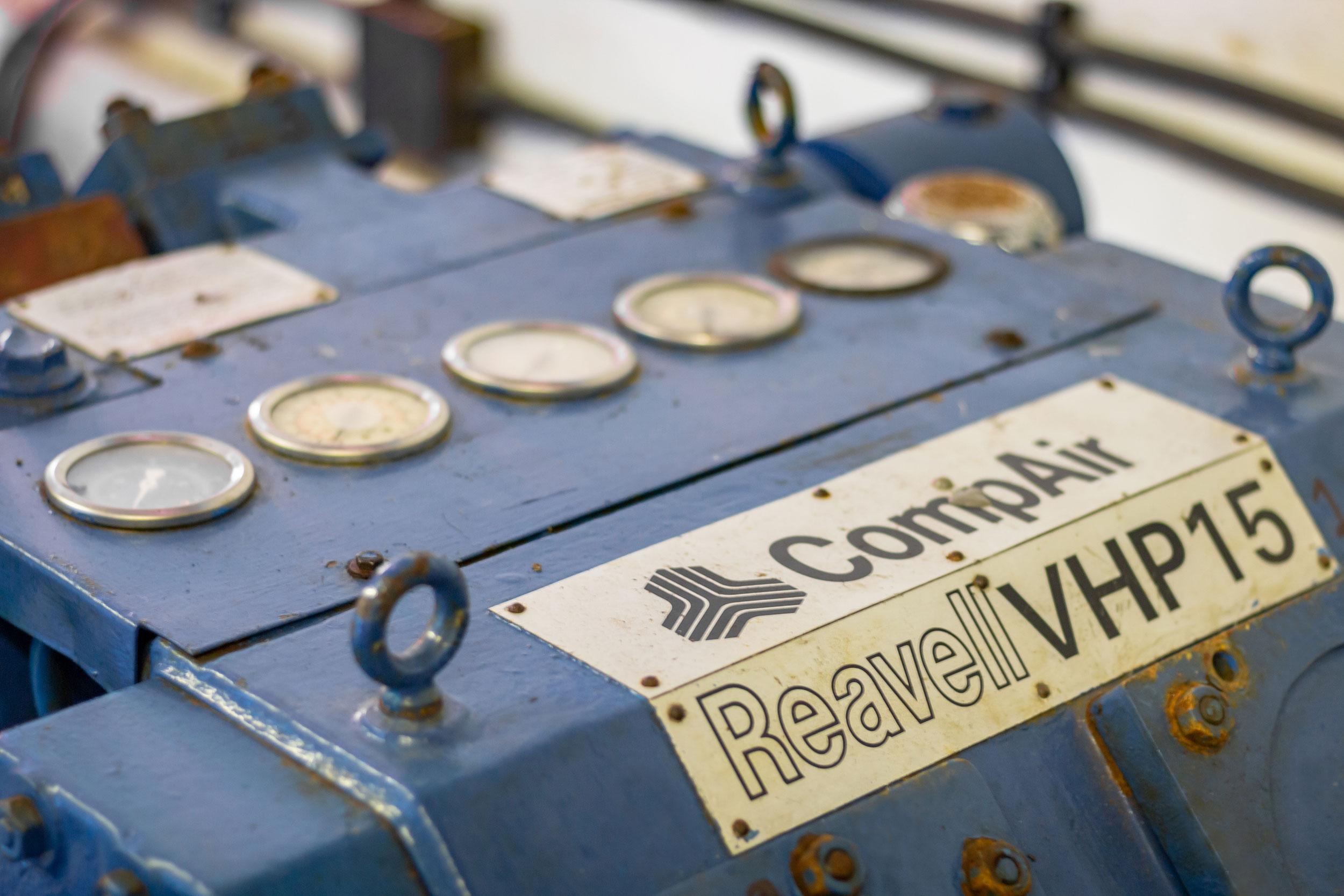 Porthkerris Divers - Cornwall, air fills, cylinder fills, nitrox, compressor